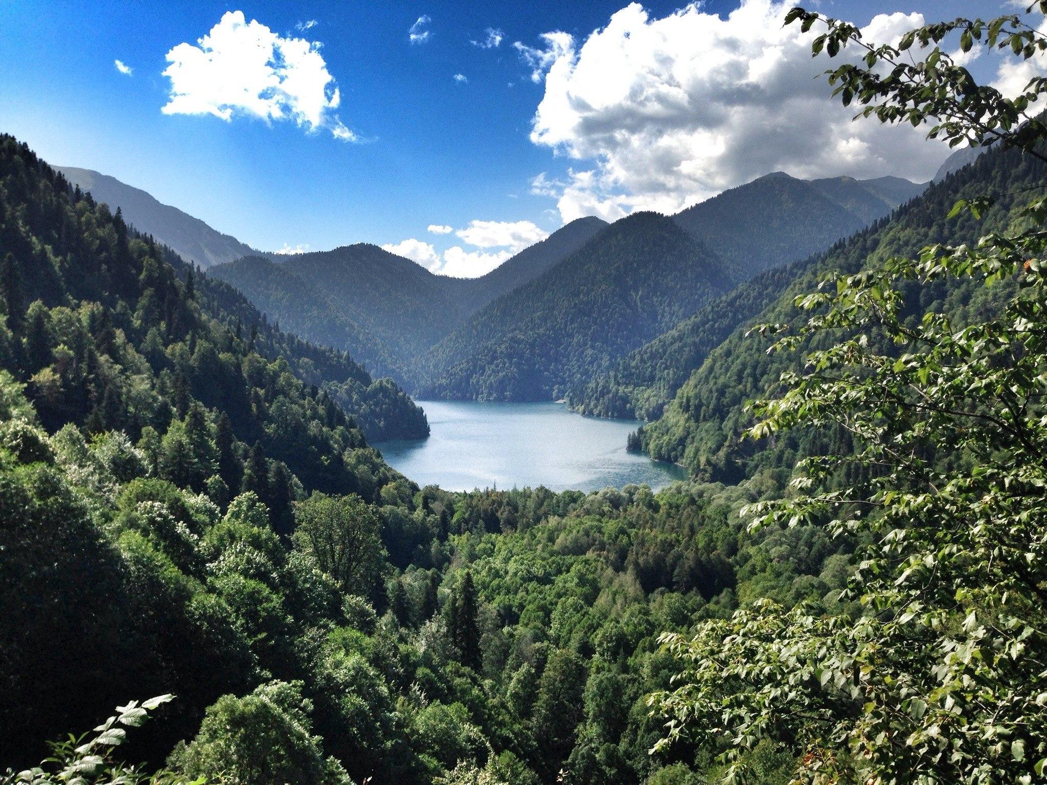 Несколько кадров дня: Абхазия и озеро Рица