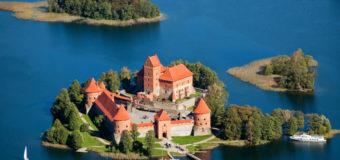 Прямые рейсы airBaltic из Казани в Ригу, Вильнюс и Таллин на майские праздники от 10200 руб. туда-обратно